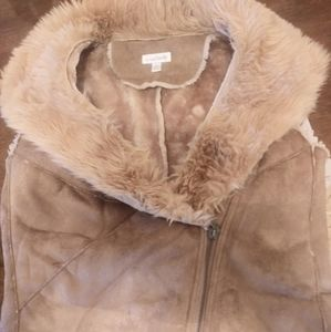 Faux Fur Zip Up Vest (Small)